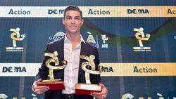 كريستيانو رونالدو يتسلم جائزة أفضل لاعب في الدوري الإيطالي