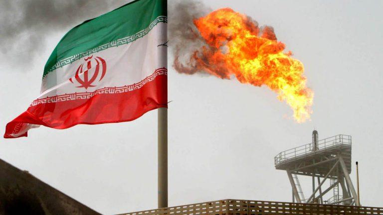 ايران تعلن تبني استراتيجية جديدة لزيادة توريد الكهرباء للعراق