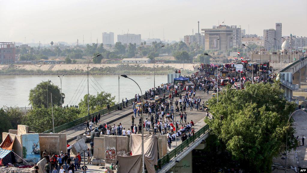 """ناشطون يطلقون تحذيرات من """"فخ"""" اقتحام المنطقة الخضراء ببغداد"""