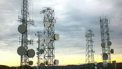 البرلمان يرفض تجديد رخص شركات الهواتف النقالة ويقدم مقترحا للحكومة