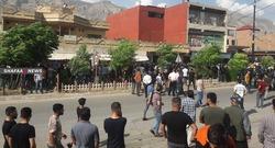 صور .. تظاهر المئات من اهالي بلدة في اقليم كوردستان فقدت اربعة بالقصف التركي
