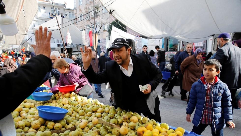 ارتفاع مؤشر ثقة المستهلكين الأتراك