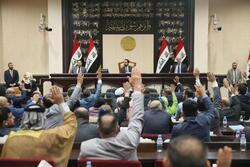دعوة برلمانية لمحاكمة الحكومة ورئيسها وقادة امنيين وتنفيذ اعدامات بساحات التظاهر