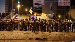 الأمن اللبناني يستخدم القوة لفض اشتباك المتظاهرين وأنصار حزب الله