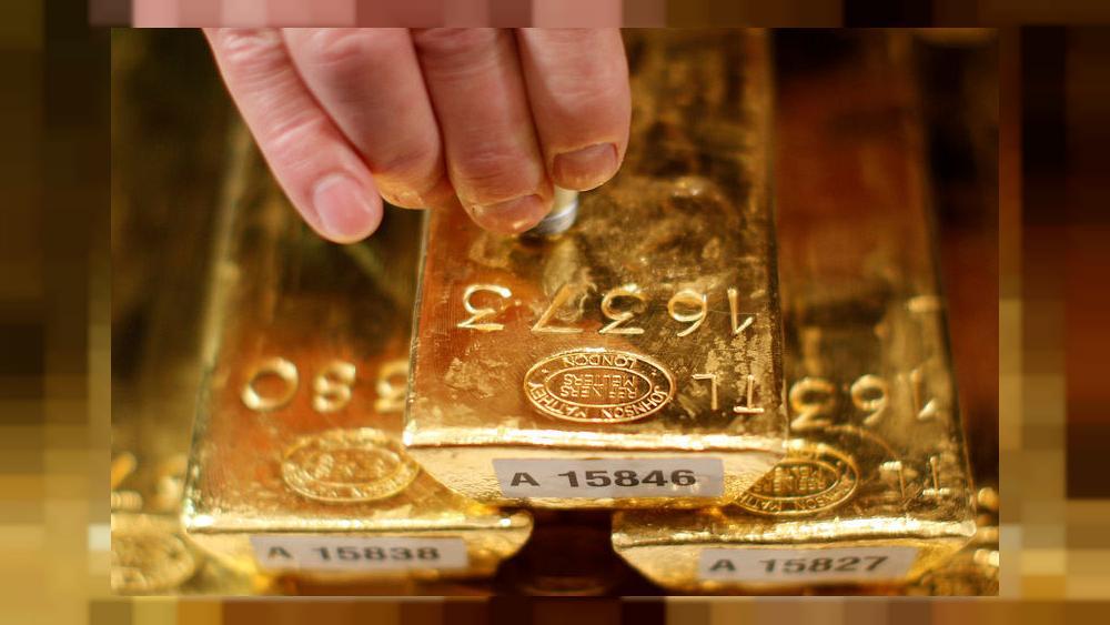 الذهب يبلغ ذروة أسبوع ابتهاجا بإقرار الحزمة الأميركية