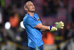 صفقة تبادلية في حراسة المرمى بين برشلونة وفالنسيا
