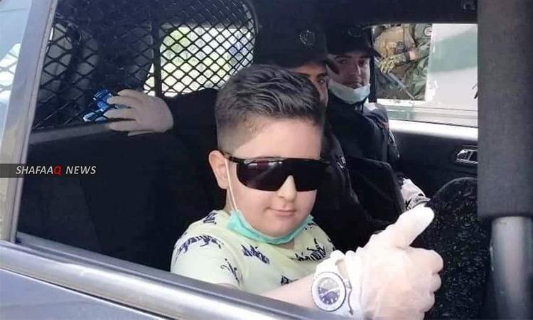 السليمانية.. الشرطة تفاجئ طفلاً دفعه الملل للاتصال بها (صور)