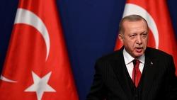 أردوغان يدعو الأتراك رسمياً إلى مقاطعة المنتجات الفرنسية