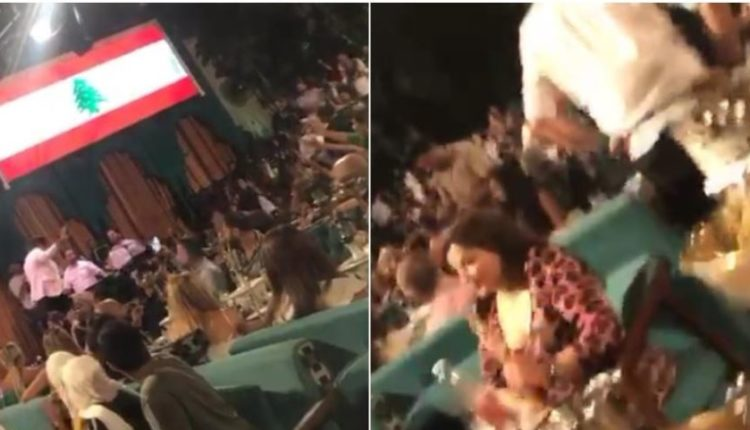 """شاهد: الجمهور اللبناني يرفض استبدال أغنية """"عاش سلمان"""" بـ""""عاش لبنان"""" ويُحرج الفنان على المسرح!"""