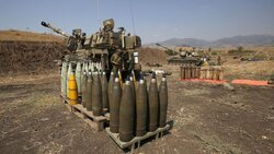حزب الله يعلن تدمير آلية عسكرية والجيش الاسرائيلي يرد بجنوب لبنان