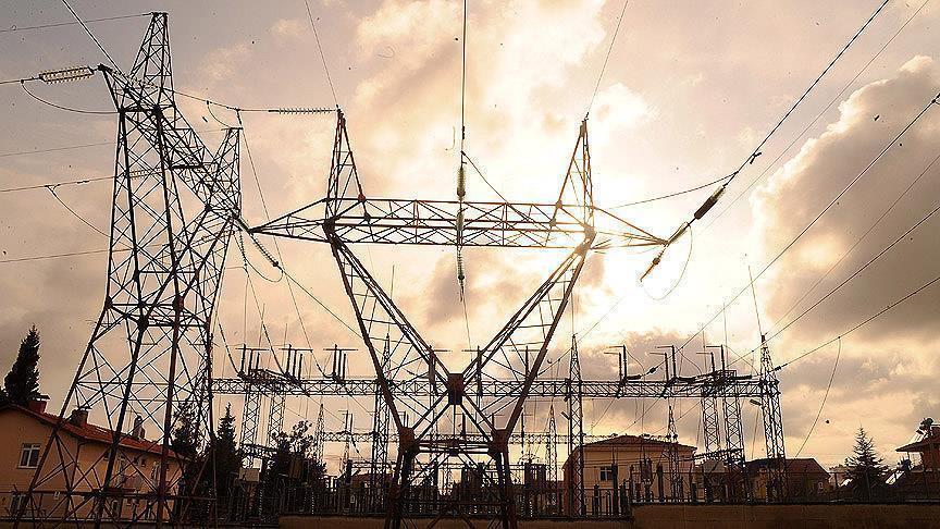 العراق يستورد أكثر من 1100 ميغاواط كهرباء من ايران