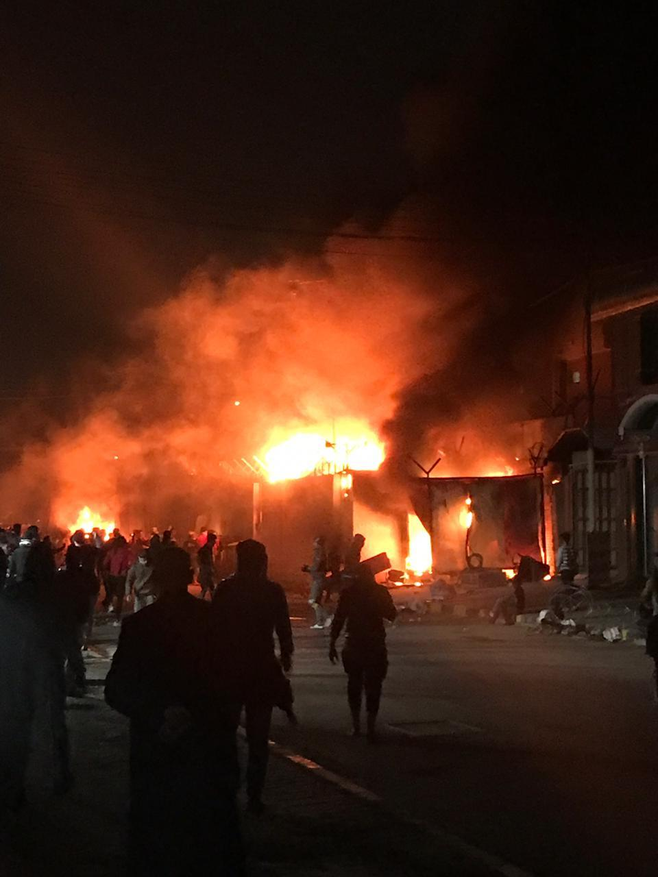 إيران تبلغ السفير العراقي احتجاجها بشأن حرق قنصليتها في النجف