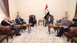 الحلبوسي ووفد الديمقراطي يبحثان ملف التظاهرات ومطالب تعديل الدستور