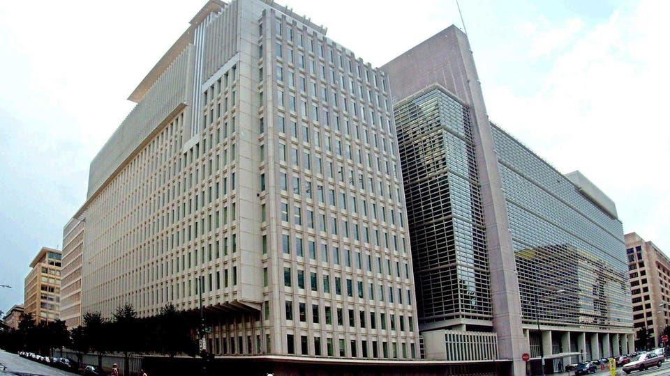 """البنك الدولي يؤشر """"ندوبا طويلة الامد"""" على العراق ودول اخرى"""