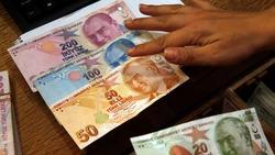 """العملة التركية تحت تأثير """"صدمة"""" الأسواق الناشئة"""