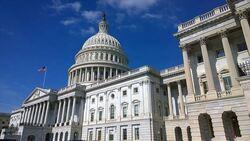 """""""النواب الأمريكي"""" يوافق على مشروع قانون يمنع تمويل حرب مع إيران"""