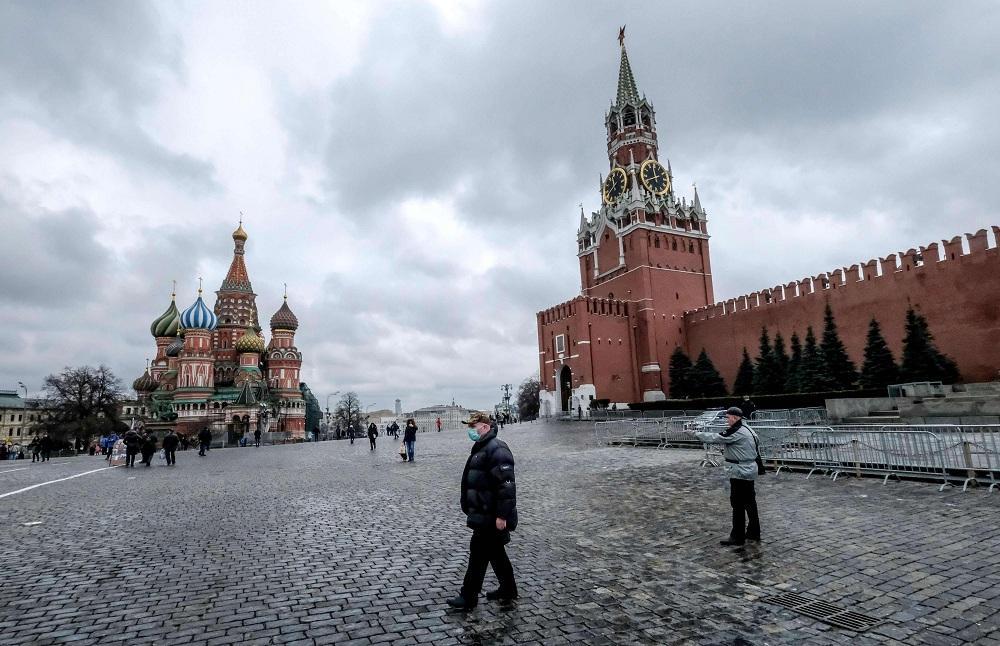 روسيا تعلق الرحلات الجوية