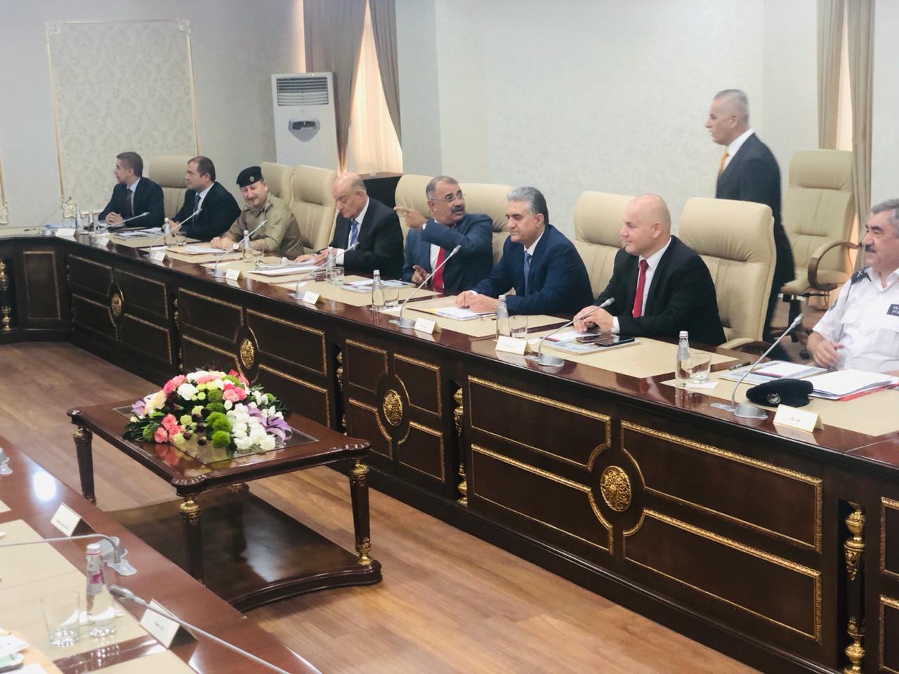 وزيرا داخلية كوردستان والعراق يعلنان نتائج اجتماعهما منها الغاء الـ 10 الاف عن السائحين