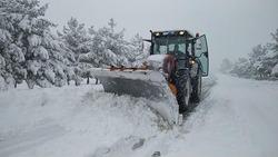 انقاذ 8 اشخاص من الموت تجمدا بعد ان حاصرتهم الثلوج في دهوك