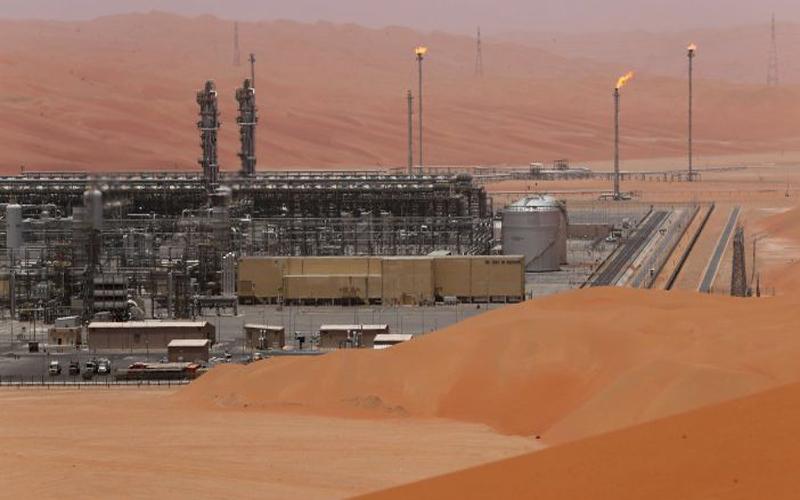 أسعار النفط تهبط بالتزامن مع اعلان امريكي