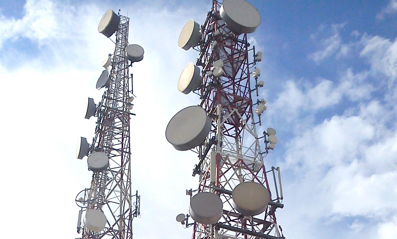 الاعلام والاتصالات توجه بتعويض المشتركين جراء انقطاع الانترنت