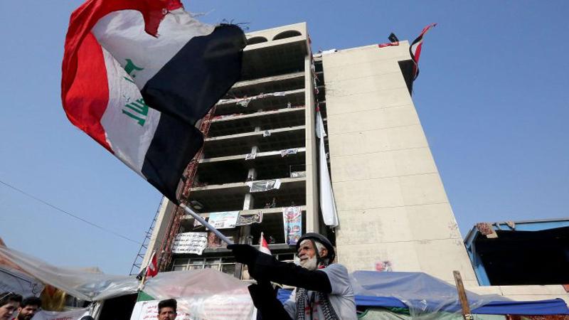 مصدر يكشف حقيقة الانفجار وسط ساحة التحرير (صورة)
