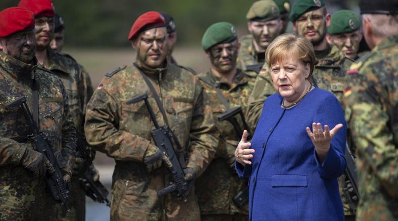 ألمانيا ترفض دعوة أمريكية لإرسال قوات برية إلى سوريا