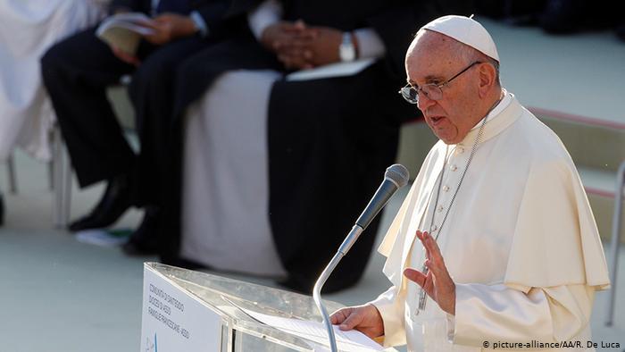 بابا الفاتيكان يتحدث عن احتجاجات العراق ويدعو للاصغاء لصراخ الشعب من أجل حياة كريمة