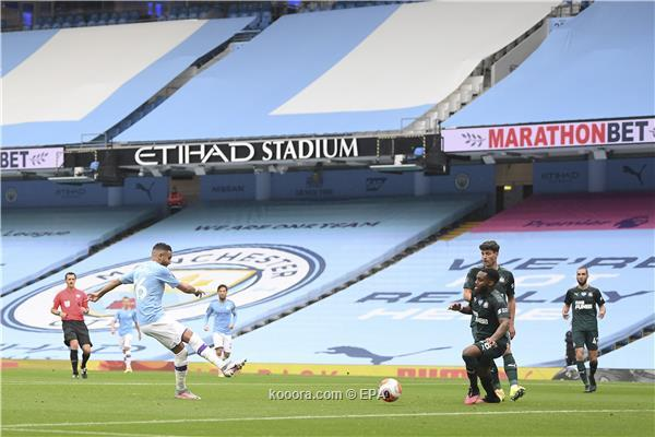 Manchester City rout Newcastle 5-0