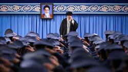 """إيران تحمي خامنئي من """"كورونا"""" بإجراءات خاصة.. تعرف عليها"""