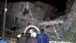 قتلى وانهيارات بزلزال شديد يضرب تركيا وصل امتداده لثلاث دول