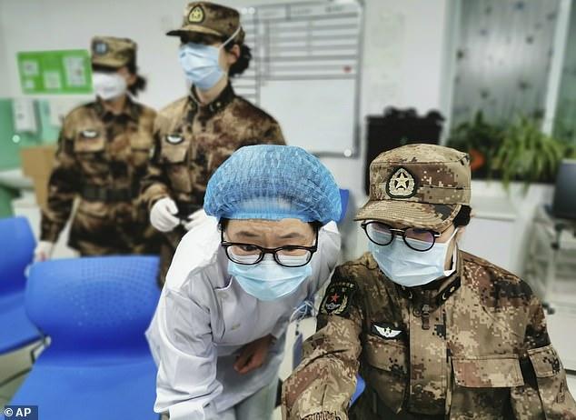 الجيش الصيني يوافق على لقاح لكوفيد ١٩ ويبدأ باستعماله لجنوده
