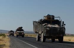 تركيا تدفع بتعزيزات عسكرية جديدة إلى الحدود