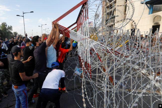 منظمة دولية تؤشر استمرار استخدام القوة القاتلة ضد المتظاهرين في العراق