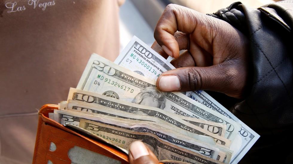 أغنى أسرة في العالم تجني 70 ألف دولار في الدقيقة