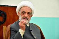 مرجع ديني: العراق على وشك الهاوية وهو مرتبط ارتباط وثيق بإيران شاء أم أبى