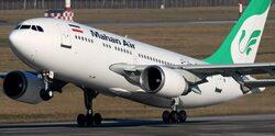 جرحى بين ركاب طائرة إيرانية جراء اقتراب مقاتلات إسرائيلية
