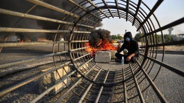 فيديو.. الامن يطلق الرصاص الحي على محتجين جنوبي العراق