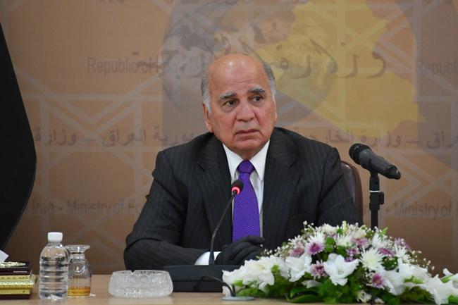 حسين يعقد أول اجتماع بالسفراء العرب في بغداد