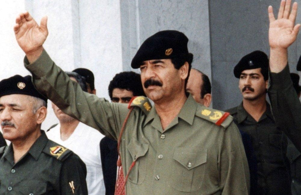 شاهد قصيدة كتبها صدام حسين بيده في السجن (مرفق بنسخة خطية)