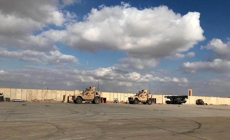 مقتل جنديين أميركيين وبريطاني وجرح 12 في قصف معسكر التاجي