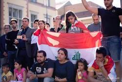 عراقيو المهجر يتظاهرون دعما لبلادهم