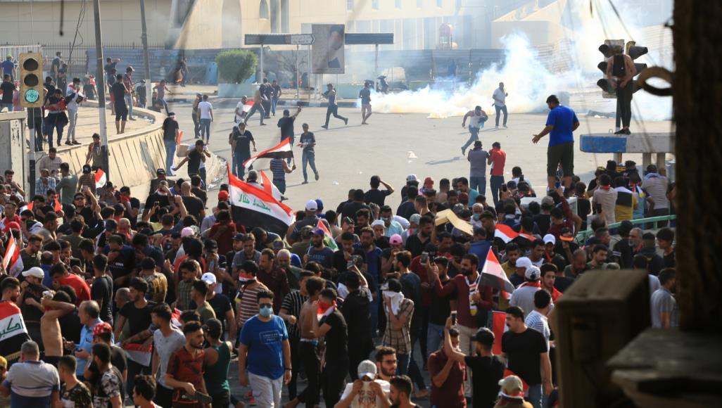 القوات الامنية تحاول تفريق احتجاج في تحرير بغداد بالرصاص الحي